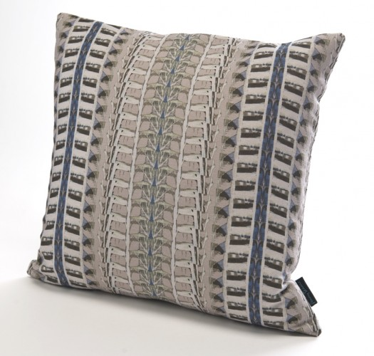 UN05 Bath Abstract Branches linen cushion